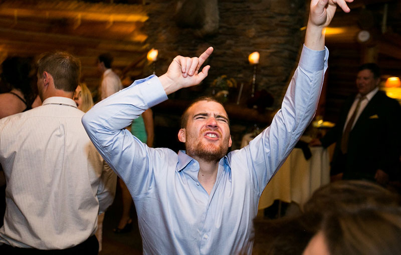 2-fitted-shirt-dancing-wedding