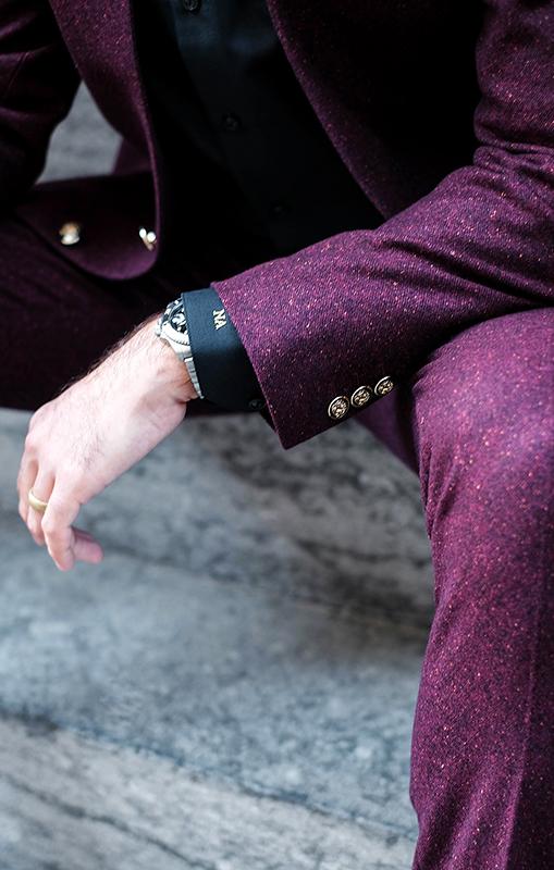 Surmesur_naeem_adam_burgundy_suit_cmonogram